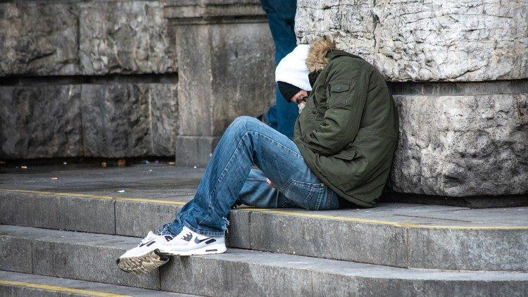 mơ thấy gặp người vô gia cư